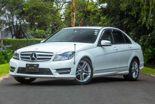 Mercedes-Benz C200 image 3