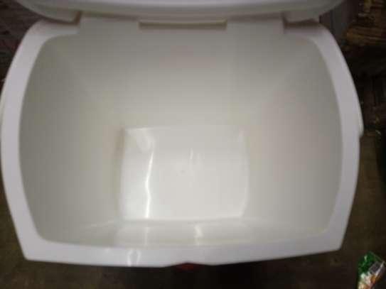 23 Liters Cooler Box image 3