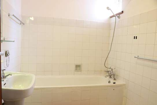 Furnished 2 bedroom house for rent in Gigiri image 13