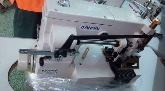Industrial sewing machine image 7
