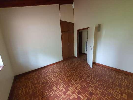 4 bedroom spacious house in Runda image 11