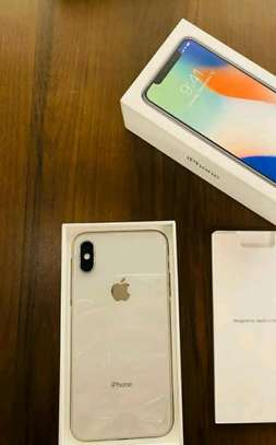 Apple Iphone X Silver || 256 Gigabytes || In Mint Condition image 2