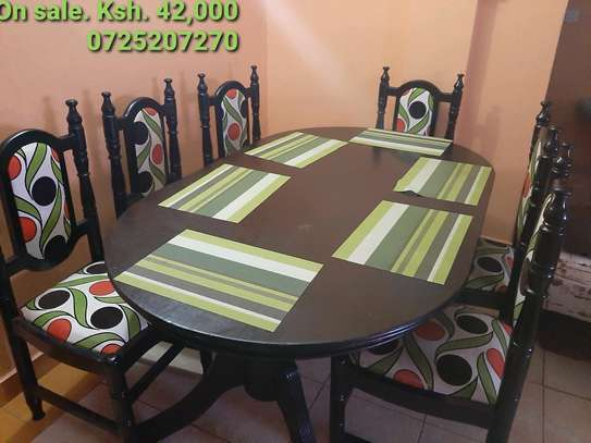 Detachable 6 seater oval dining table