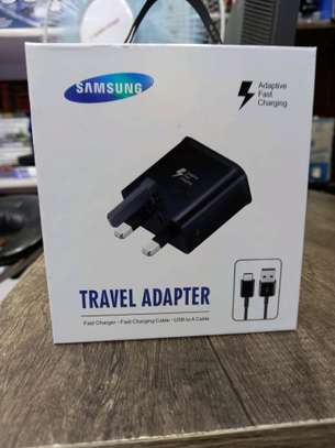 Samsung original charger and energizer usb cables image 1