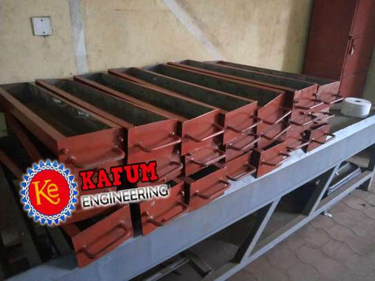 Road channel mould