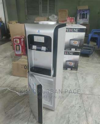 Nunix R38 Hot and Cold Water Dispenser. image 1