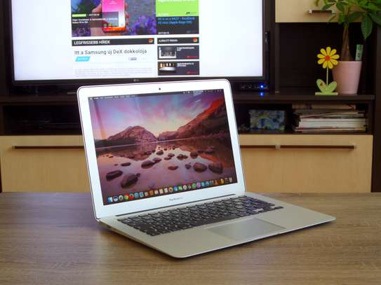 MacBook Air 2017 Intel Core i5 image 6
