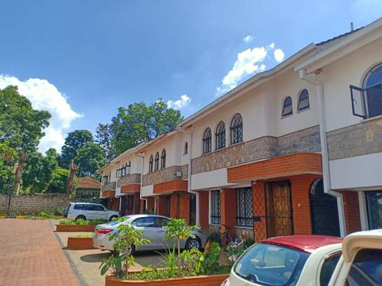 4 bedroom house for rent in Brookside image 3