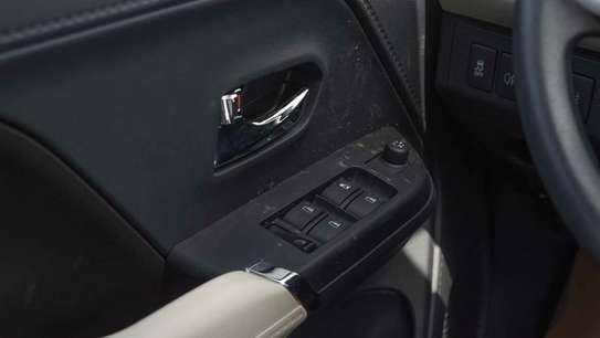 Toyota Rush image 8