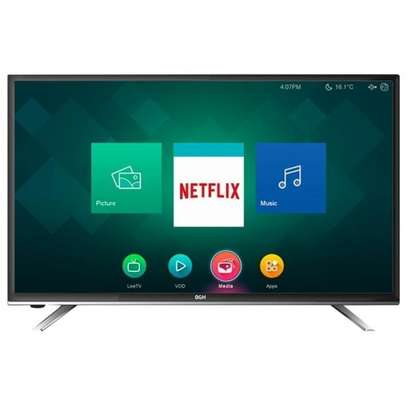 "32"" hisense smart and digital TV"