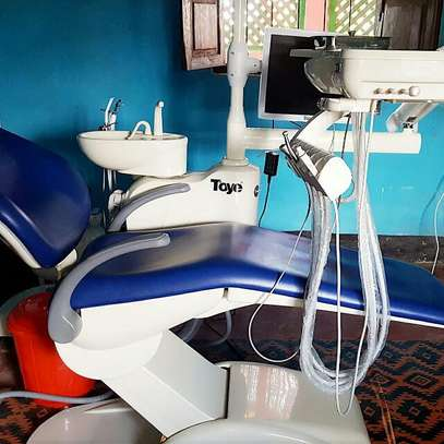 Dental chairs/units