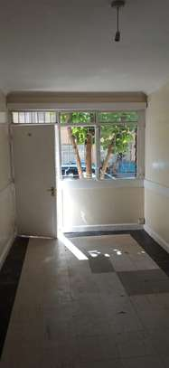 1 bedroom apartment for rent in Kilimani image 9