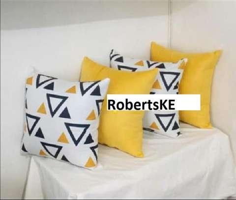 throw pillow image 1