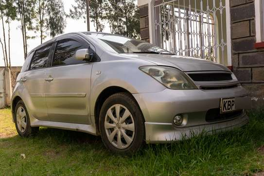 Toyota IST (Sport) 2005 Silver image 2