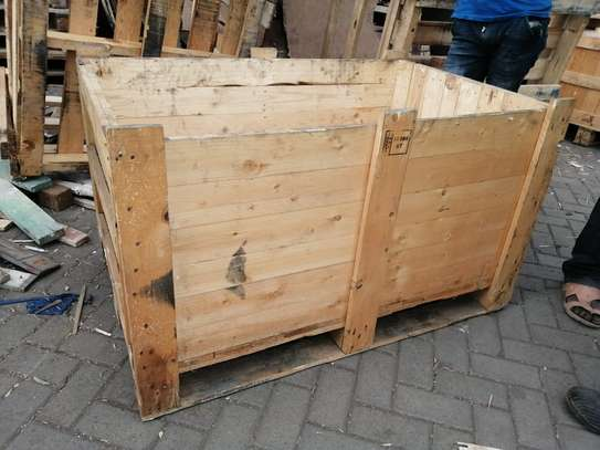 WOODEN BOX CRATE image 1