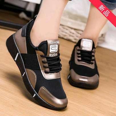 Ladies sneakers image 6
