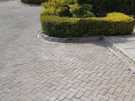 4 bedroom house for rent in Nairobi Hardy image 14