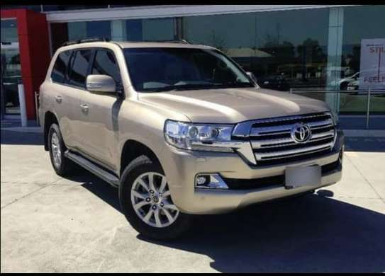 Toyota landcruiser for hire image 1