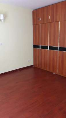 beautiful 2br apartment to let in kileleshwa for 70k on mandera road image 5