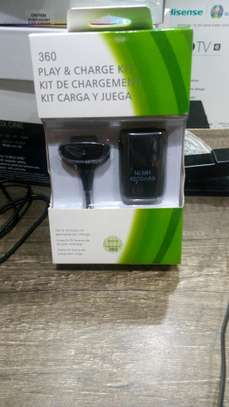 Xbox 360 charge and play kit. image 1