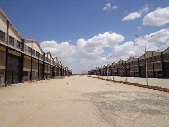 8000 ft² warehouse for rent in Athi River Area image 3
