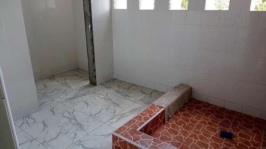 Three bedroom apartments to let at nyali Mombasa Kenya image 8
