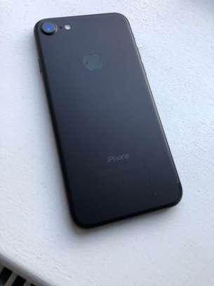 IPHONE 7 128GB  JET BLACK image 3