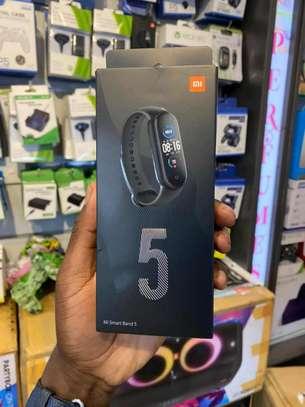 Band 5 smart watch image 2