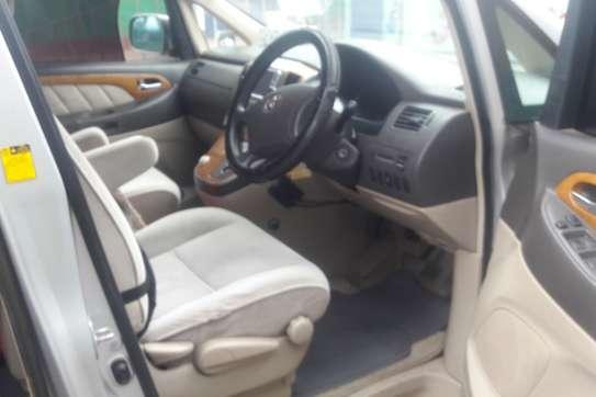 Toyota Alphard image 5