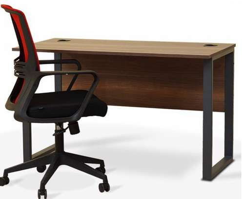 Office desk+chair image 1