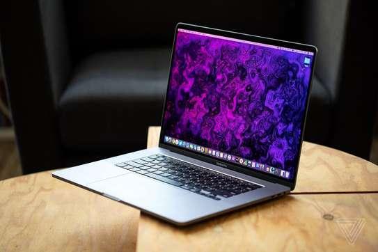 Apple MacBook Pro 16 2020 (MVVK2) image 1