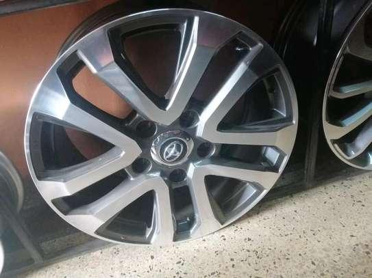 Size 20 rims for Toyota V8 image 3