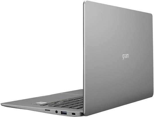 "LG Gram Laptop - 14"" Full HD IPS Display, Intel 10th Gen Core i7-1065G7 CPU, 16GB RAM, 512GB M.2 MVMe SSD, Thunderbolt 3, 18.5 Hour Battery Life - 14Z90N (2020) image 4"