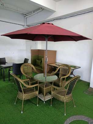 Outdoor set + umbrella image 1