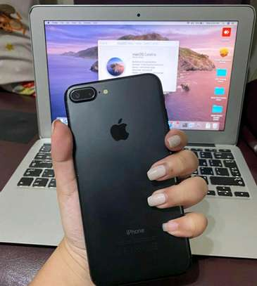 Apple Iphone 7 Plus / 256 Gigabytes / Black And Wireless Airpods image 1