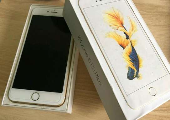 Apple Iphone 6s Plus / 128 Gigabytes / Gold And Wireless Airpods image 1