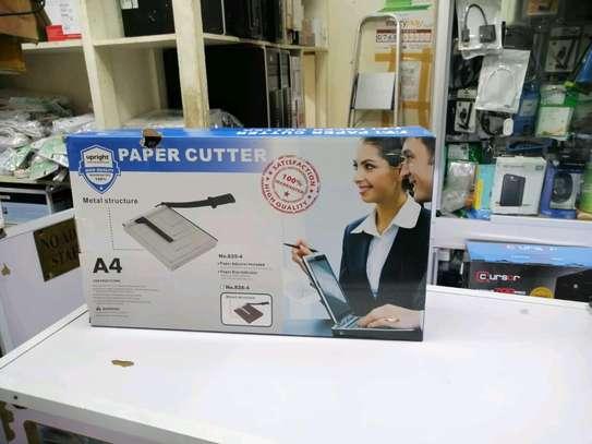 paper cutter image 3