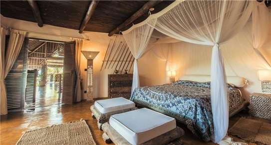 Furnished 10 bedroom villa for sale in Diani image 13