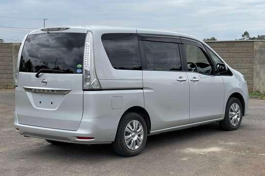 Nissan Serena 2.0 Excursion image 6