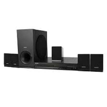 Sony DAV tz 140 home theater at 14500