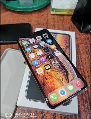 Apple iPhone XS 512gb on offer image 2