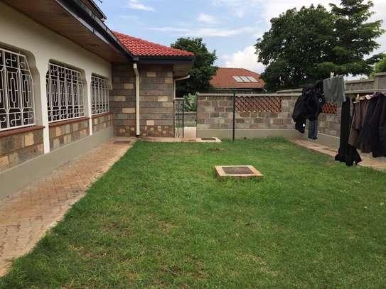 5 bedroom apartment for rent in Nyari image 11