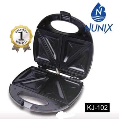 Sandwich maker/bread toaster image 1