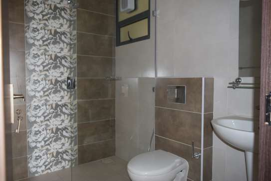 1 bedroom apartment for rent in Kilimani image 5