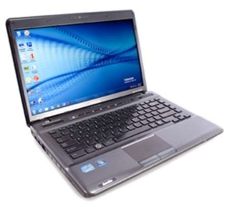 Toshiba satellite p745 i5 4GB/500GB