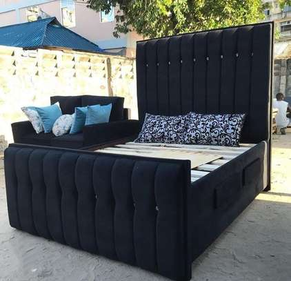 Classy Line button bed (5*6).