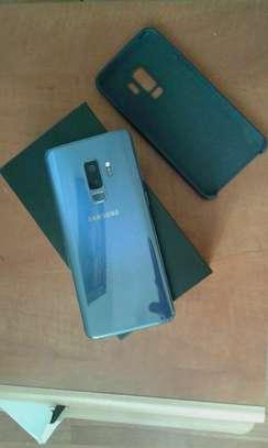 Samsung Galaxy S9 Plus [ 256 Gb Black On Warranty] image 2
