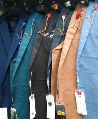 Original fitting suit from Turkey ,unique design and high quality material,diffrent colors available....(coat +halfcoat+trouser)  (three piece)
