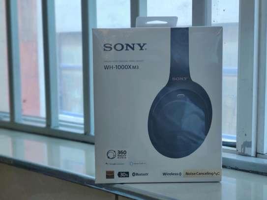 SONY Wireless headphones WH-1000- XM3 - brand new image 2