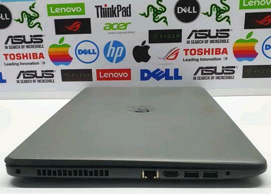 Hp Notebook 15/AMD A12/Touchscreen/2gb Radeon image 2